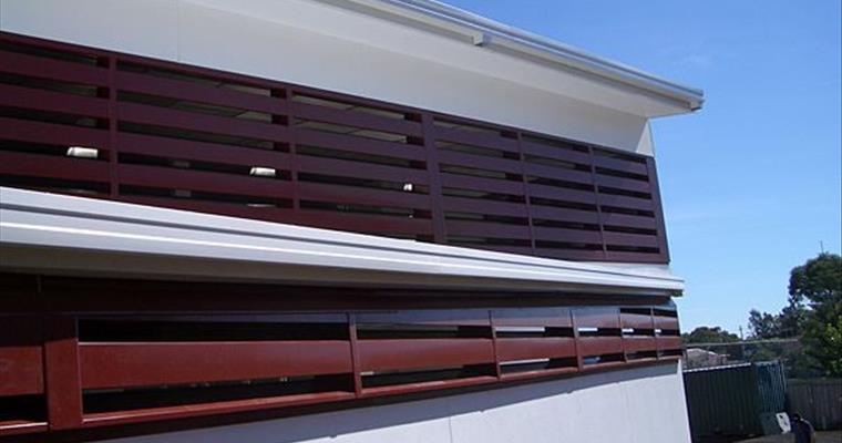 Acoustic louvres in metal